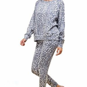 Snow Leopard Jogger Matching Set Loungewear